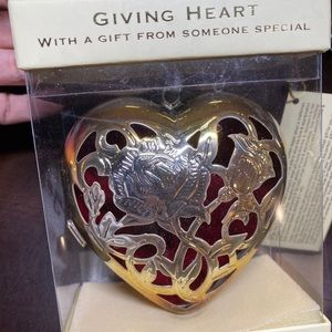 💕2/$20 OR $15 Lenox Giving Heart Silver Plated